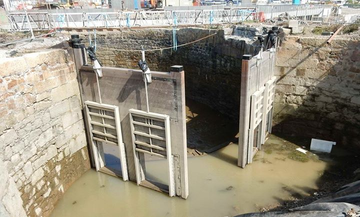 140911 After Many Decades Carnsew Pool Finally Has Sluice Gates Again Hayle Harbour