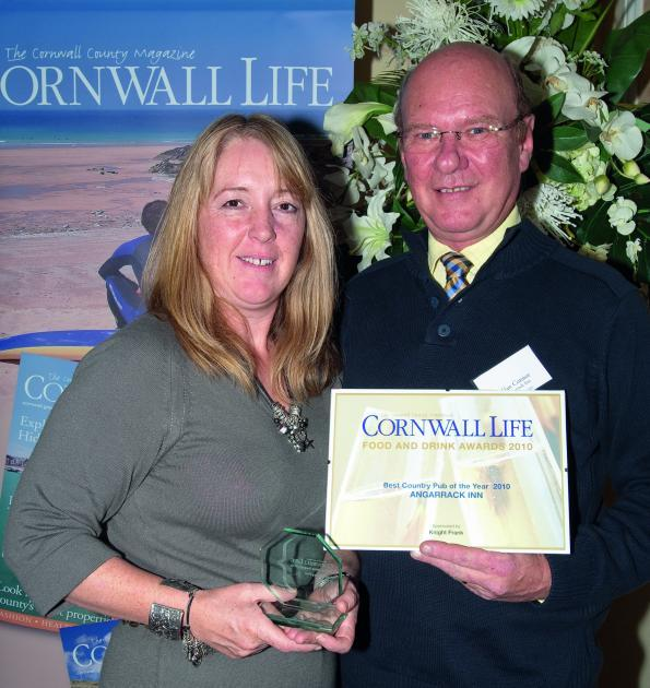 Cornwall Life 2010 Best Country Pub 3397.jpg