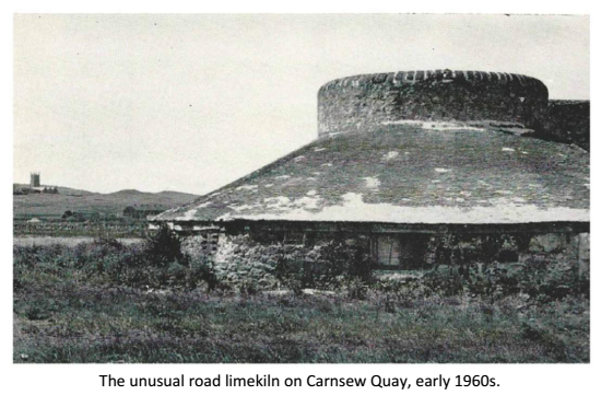 The unusual road limekiln on Carnsew Quay, early 1960s